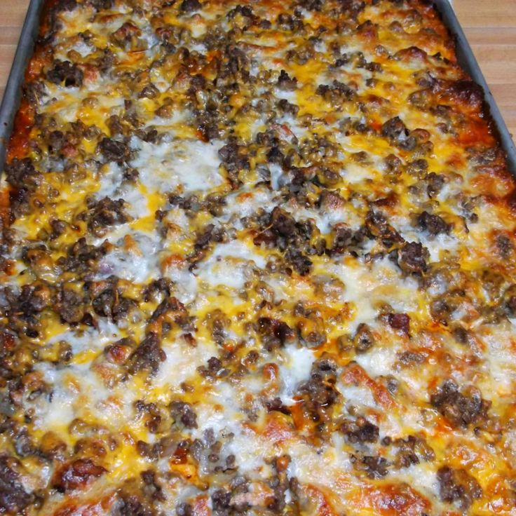 If you love bacon cheeseburgers and you love pizza, this is the pizza of your dreams!