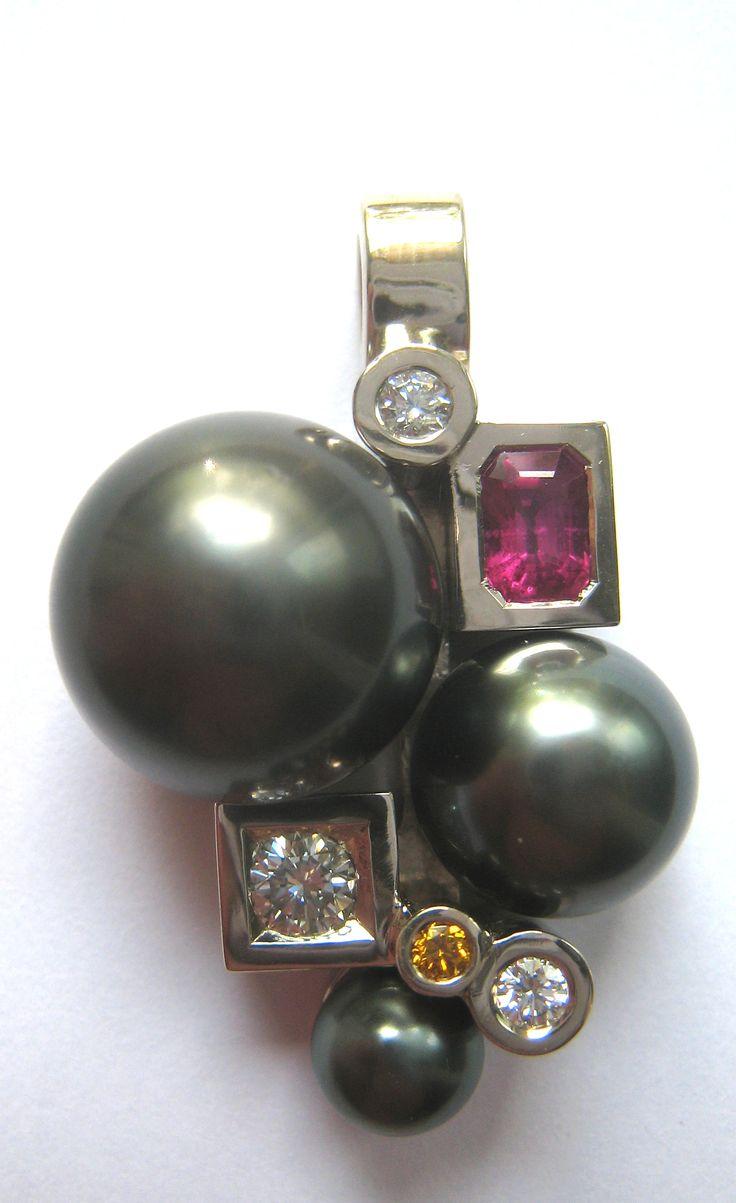 Pendentif cascade perle de tahiti  #tournaire #jewels #jewelry #luxe #perle #pearl #pendentif #pendant #cascade