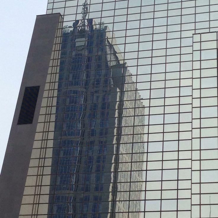 Mirror facade (courtesy of Mario Gerosa)