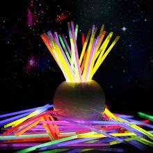 100 unids multicolor ritium que brillan en la oscuridad luces de fiesta brancelets glowsticks decoración de la boda intermitente led juguetes(China (Mainland))