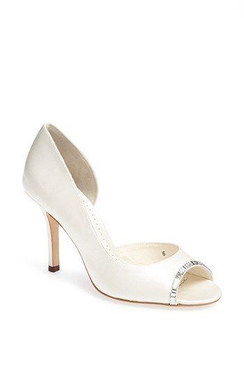 Badgley Mischka Closed Toe Wedding Shoe