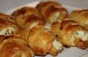 Recette - Mini croissants au saumon fumé , philadelphia et ciboulette - Notée 4.1/5 par les internautes