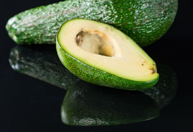 Adding healthy fats like avocados can vastly improve your skin health and act like a natural collagen filler! Meet guacamole, the new black ❤️ #Avocados #NaturalFiller