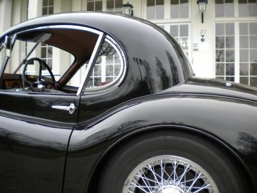 The curves on this car make my heart flutter......1953 Jaguar XK120 Coupe