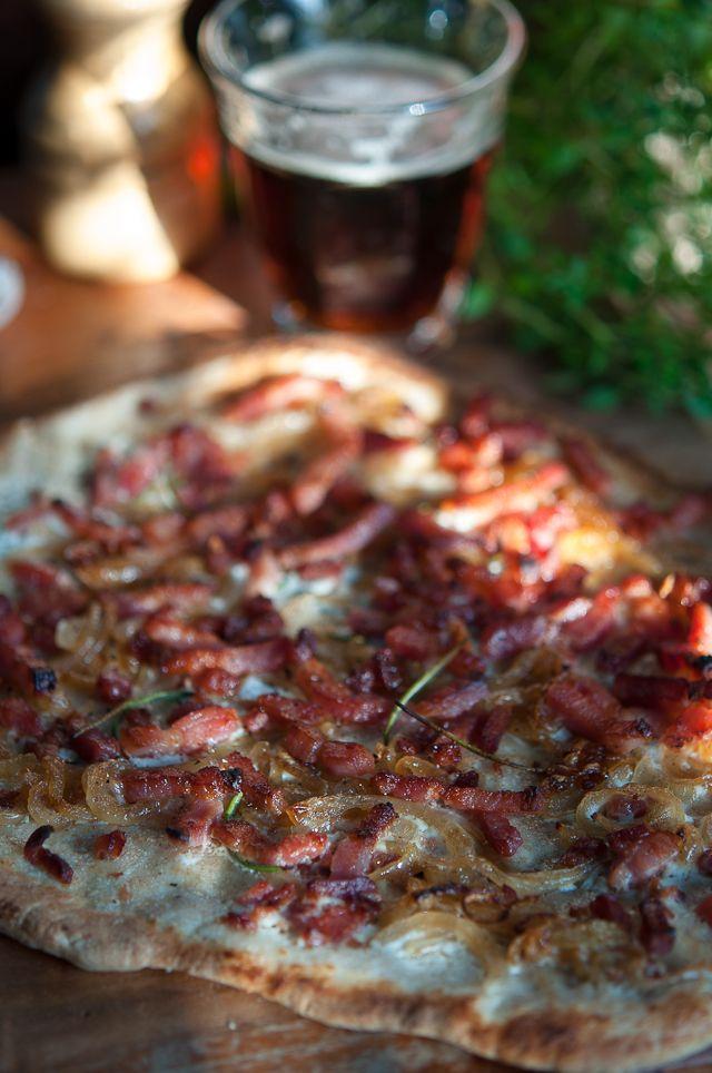 Creamy bacon and caramelized onion tart | Gourmantine