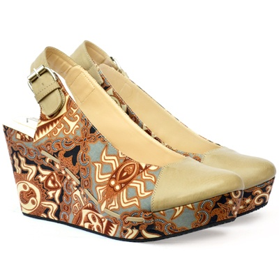 NINA BATIK REBEL, a unique batik wedges from @iwearUP ! Waaaaaant~