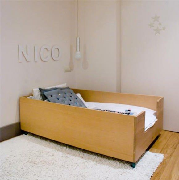 Weekend Faves: Cool Ideas for Kid's Rooms | Handmade Charlotte...minimal child's bed: It reminds me of the cool built-in beds you find in the staterooms of vintage ships. (via escarabajos, bichos y mariposas)
