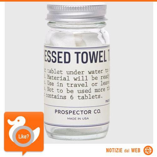 SALVIETTE... IN PILLOLE!  Certo, non aspettatevi le dimensioni di un asciugamano da bagno, comunque, queste pastigliette sciolte con acqua diventano pratiche salviette delle dimensioni di un tovagliolo... pur sempre una comodità!  http://fancy.com/things/404279939722906127/Compressed-Towel-Tablets-by-Prospector-Co.#