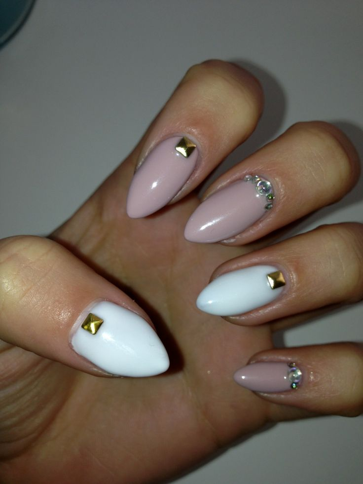 25+ Best Ideas About Short Stiletto Nails On Pinterest