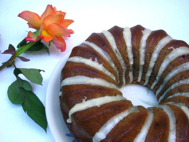 Quick Banana and \rum Soaked Raisin Bundt