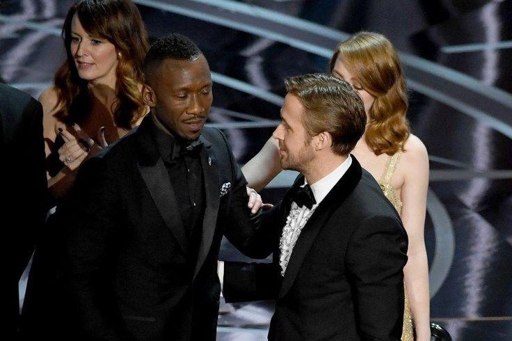 Pas de doute que la 89ecérémonie des Oscar passera à l'histoire. Le quiproquo final ayant vu La La Land désigné Meilleur film, à tort, avant que Moonlight soit déclaré vainqueur, fera certainement jaser.Cela dit, c'est indiscutablement la politique qui aura été le sujet prévalent. Jamais les Oscar n'auront été aussi « engagés ».