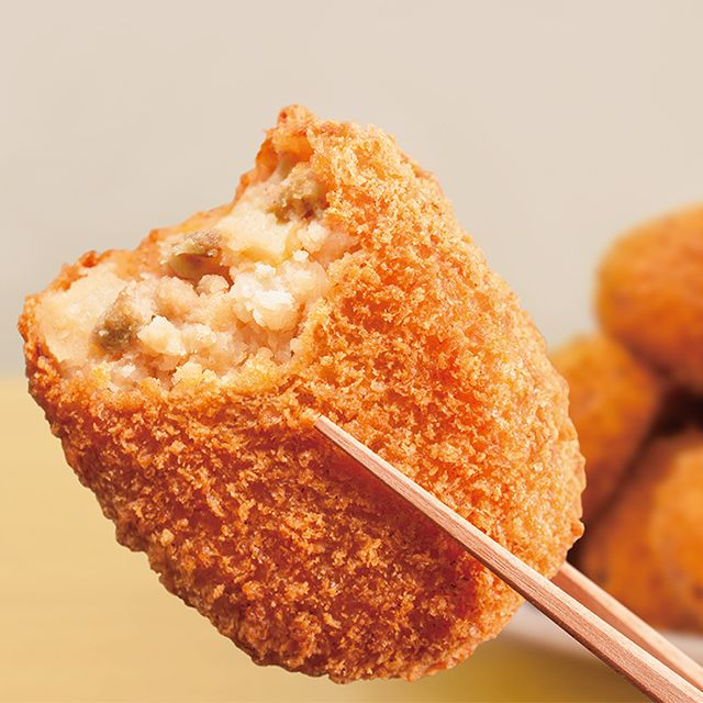 「ポテトコロッケ」は、しっとりなめらかな食感が特長です♪夕食のおかずや、お弁当にもおススメです(^^) http://lawson.eng.mg/4bc85