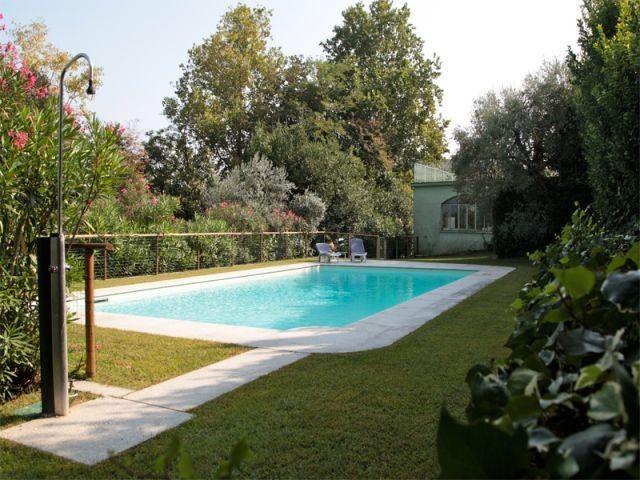 Casa Eliana Gepflegtes Ferienhaus Mit Pool Residenza Al Rio Casa Eliana In Manerba Del Garda Italie Ferienhaus Mit Pool Ferienhaus Italien Urlaub Mit Hund