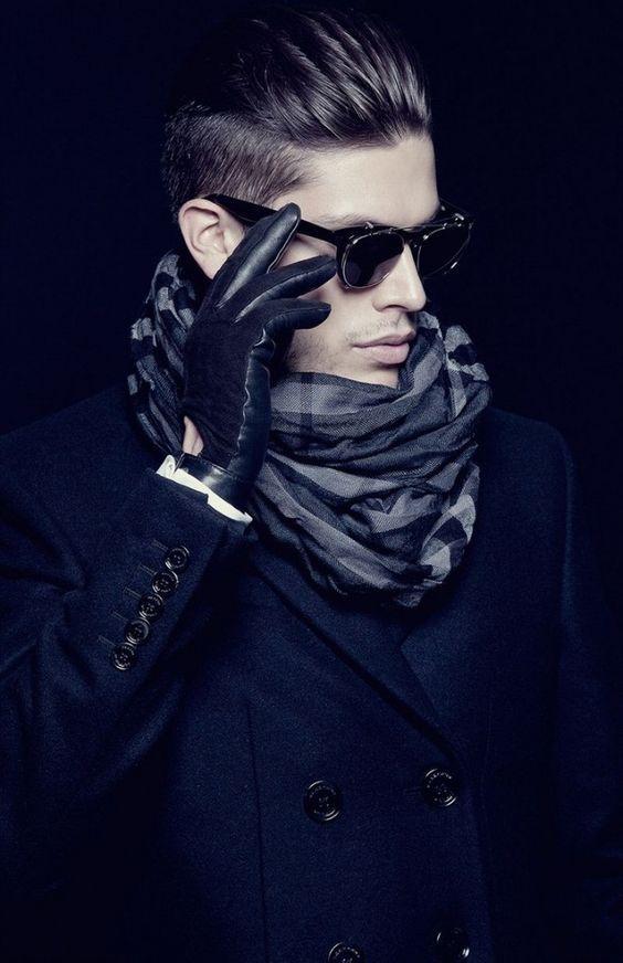 Les 25 meilleures id es de la cat gorie porter une charpe sur pinterest tutoriel charpe - Nouer une echarpe ...