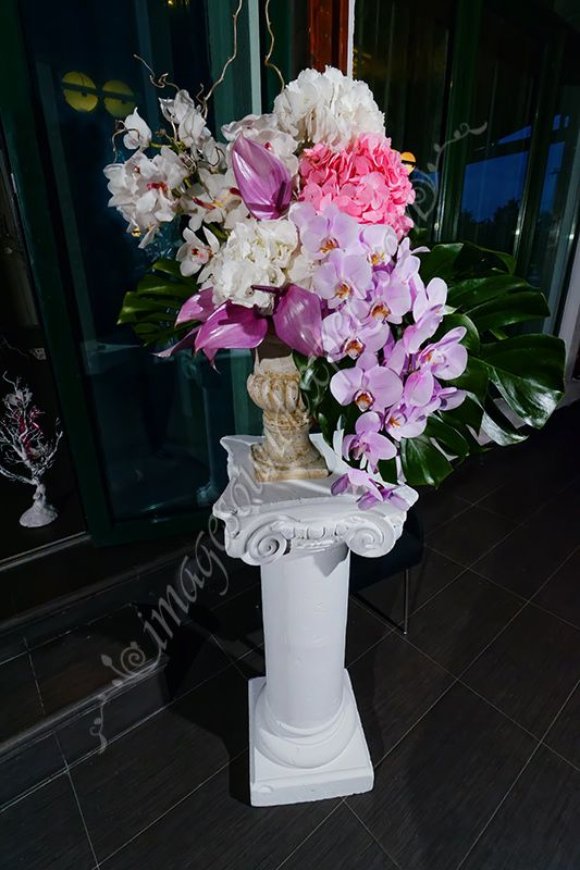 Orchid arrangement for restaurant / Orchideen fur Restaurant / Orchid arrangement pour le restaurant  / Aranjament orhidee restaurant
