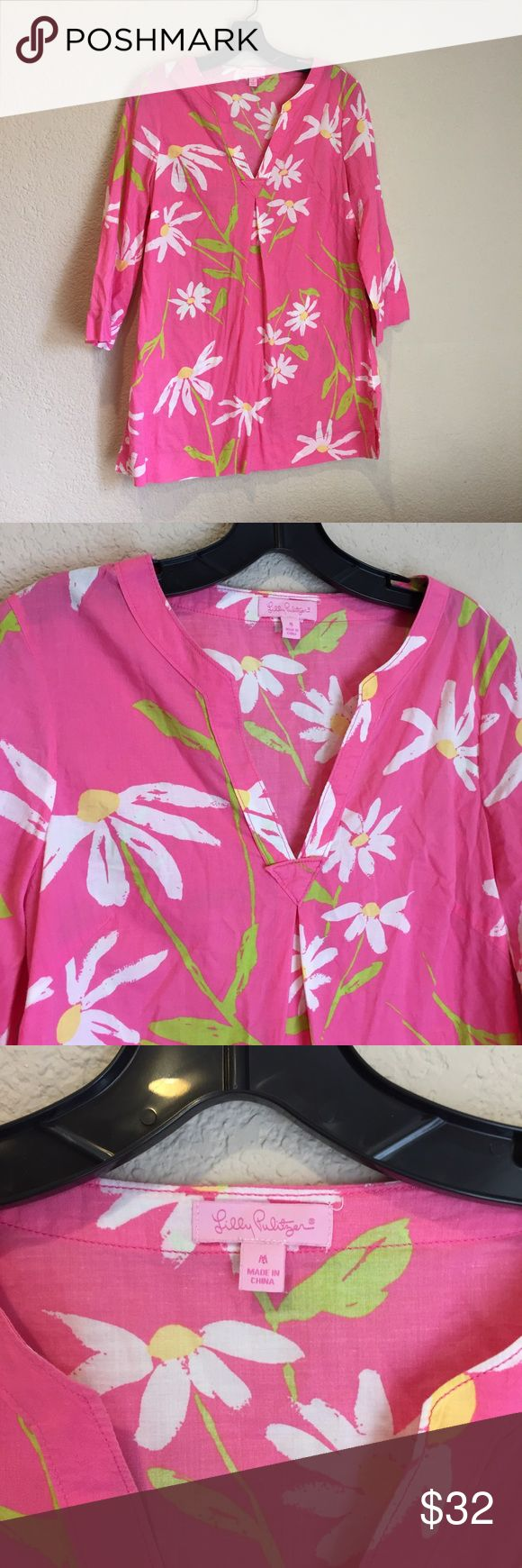 Lilly Pulitzer daisy floral pink tunic top Lilly Pulitzer daisy floral pink tunic top good preloved condition Lilly Pulitzer Tops