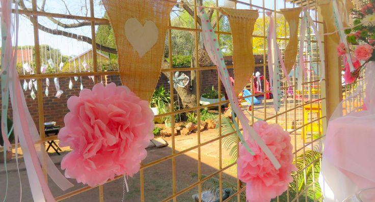 Mianey 1st Birthday #diyparty #tutu #vinyl #silhouette #1stbirthday #kidsparty #springideas #candyfloss #bunting