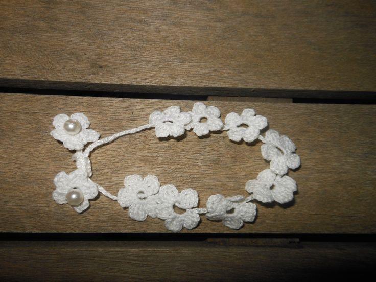 crochet bracelet  pearls / βραχιόλι βελονάκι με πέρλες