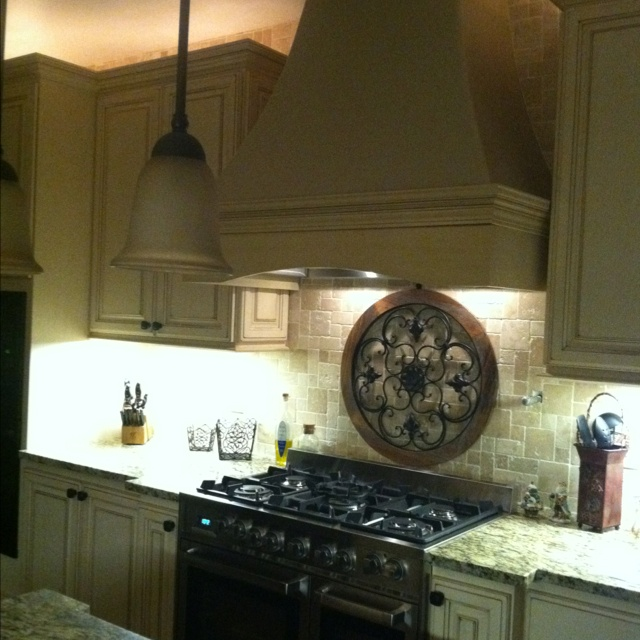 French Kitchen Stove: French Country Kitchen ~ Love The Medallion Above The Stove.