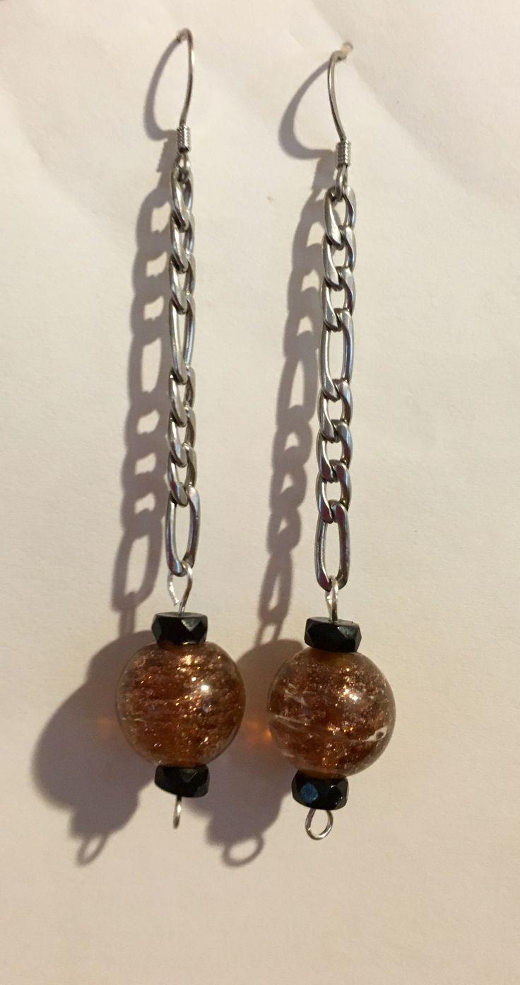 Simple short earrings by MaxAna x