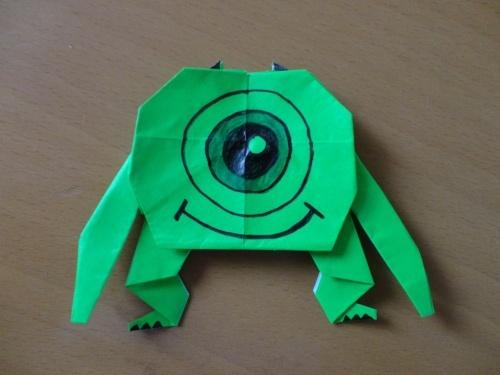 ゆかいな一つ目モンスター、モンスターズ・インクのマイクを折り紙で折る方法 | nanapi [ナナピ]