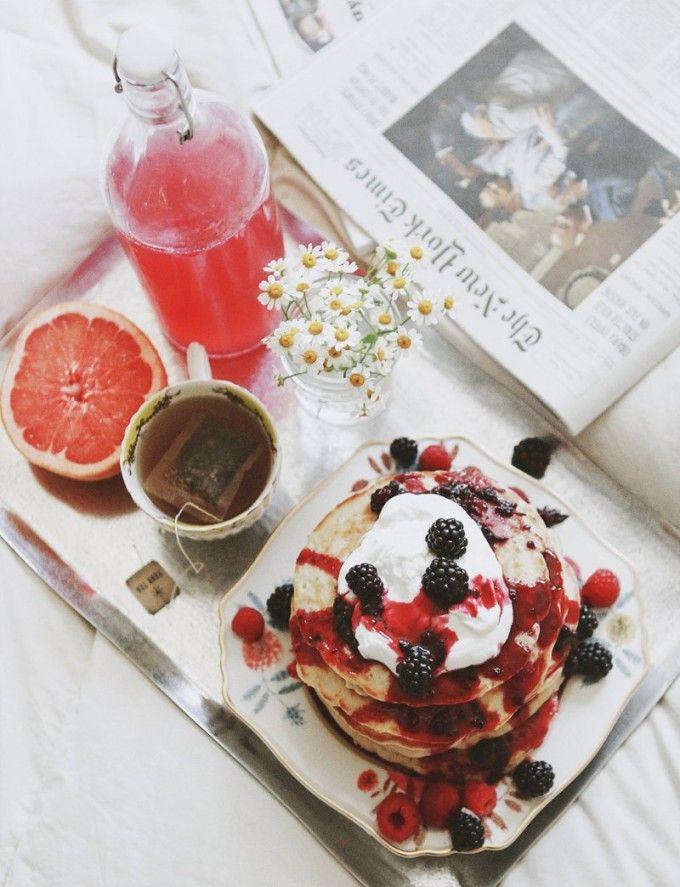 Breakfast in Bed - Weekend Love Notes | #pancakes #tea #newspaper