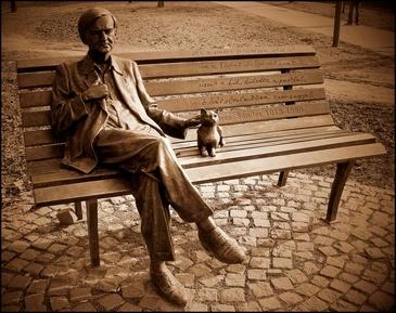 Sándor Weöres's Statue, Szombathely