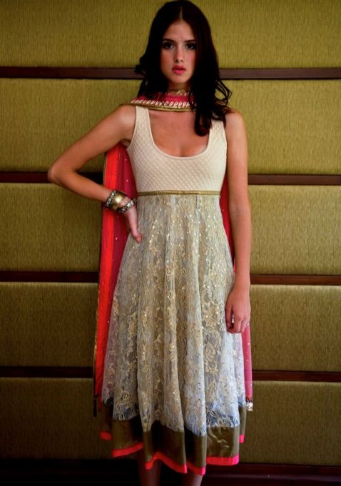 Here's another Spoonie-possible dress, with the proper modifications! Arpita Mehta