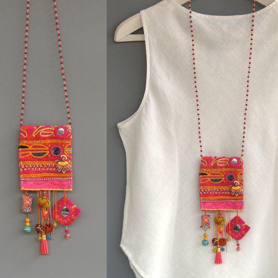 Stoff Halskette lange Perlen Halskette, ungewöhnliche Halskette, rosa Halskette, Zigeuner Halskette, Boho Halskette, Hippie-Stil, Festival Schmuck, OOAK