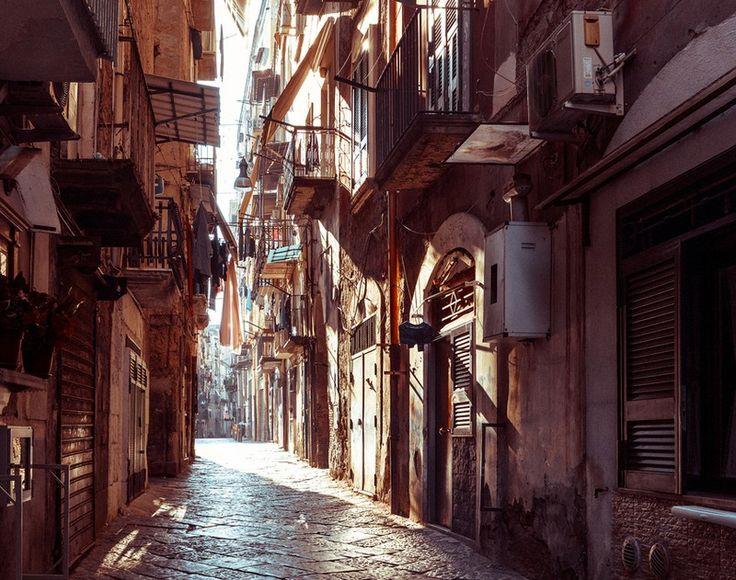 Νάπολη: Dolce vita στη σκιά του Βεζούβιου