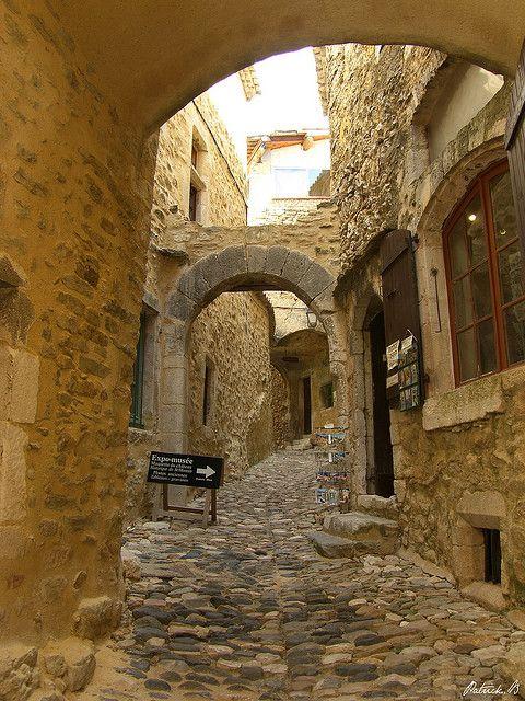 Les petites ruelles de Saint-Montan