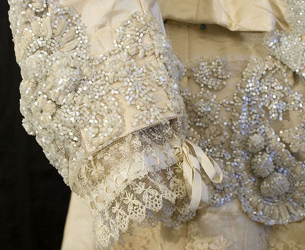 Victorian clothing at Vintage Textile: #6355 couture beaded gown