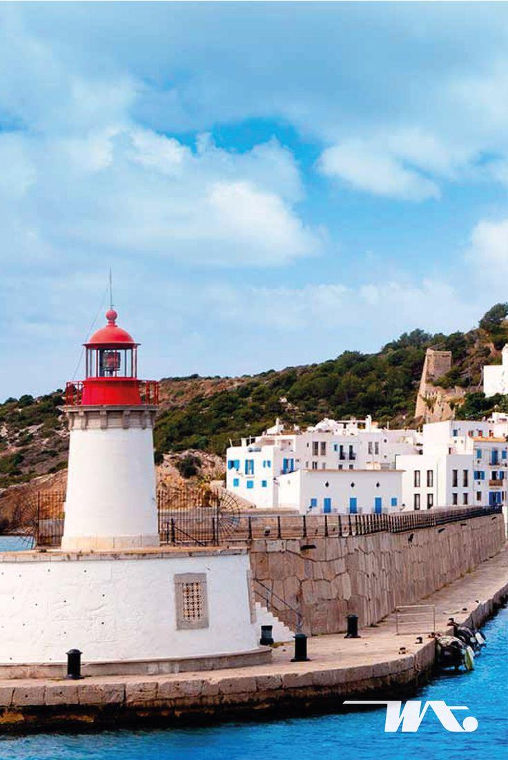 Ibiza adalah salah satu pulau Balearic, kepulauan Spanyol di Laut Mediterania yang sudah sangat terkenal keindahannya. Sebagai salah satu tempat berhentinya kapal Celebrity Constellation, Ibiza memiliki tempat hiburan menarik di malam hari. Pulau ini pun selalu dipadati pengunjung yang ingin menikmati liburan di pantai.