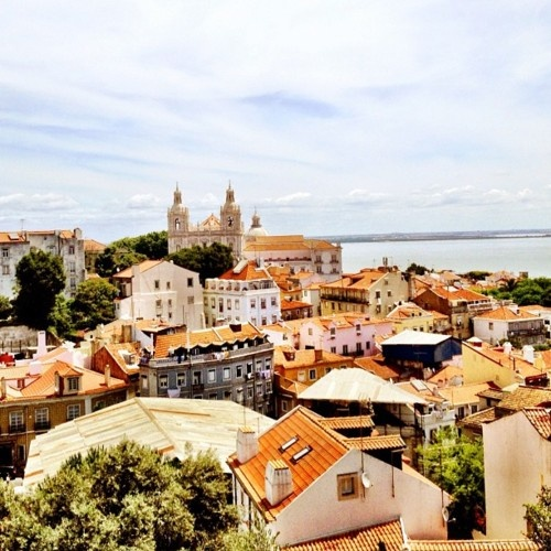 Lisbon, Portugal.. Be there in 3 days !!