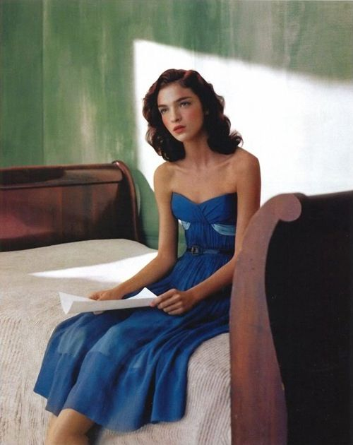 Mariacarla Boscono by Javier Vallhonrat, Edward Hopper, Fendi y Flair