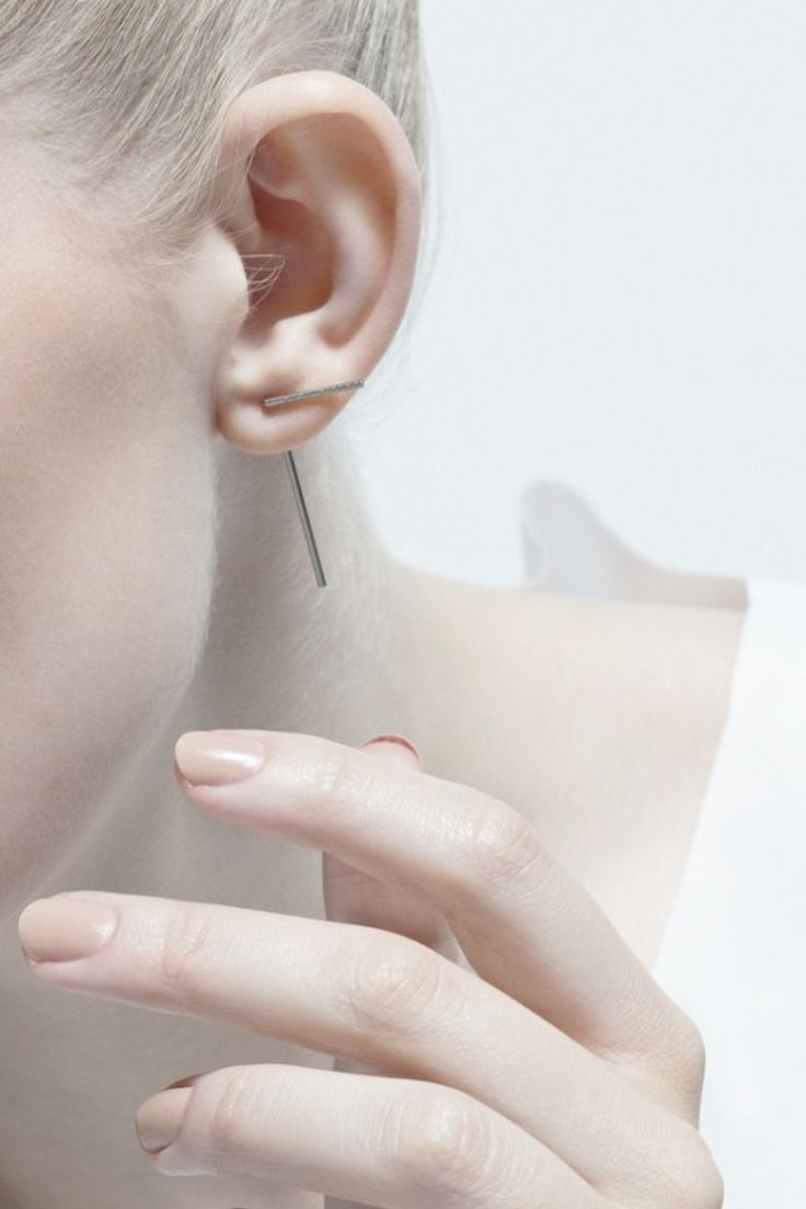 Minimal Earrings with linear design; simplicity; minimal jewellery // Agata Bielen