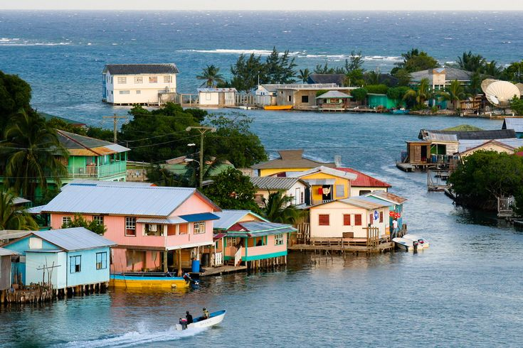roatan honduras | Travel Photo – Caribbean Fishing Village of Roatan, Honduras