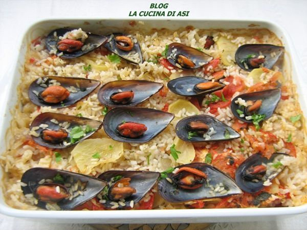 TIELLA DI RISO, COZZE, PATATE E CIPOLLE - Oven-baked rice, MUSSELS, POTATOES AND ONIONS