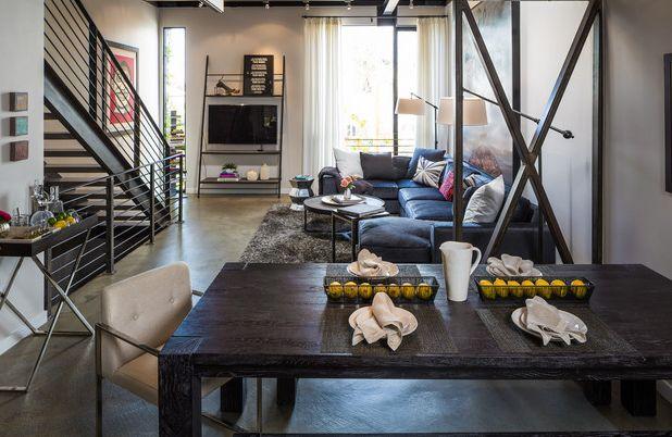 La selección de muebles debe ser acorde al color y diseño del espacio donde lo vas a colocar, de forma que éstos se vean como parte esencial del hogar