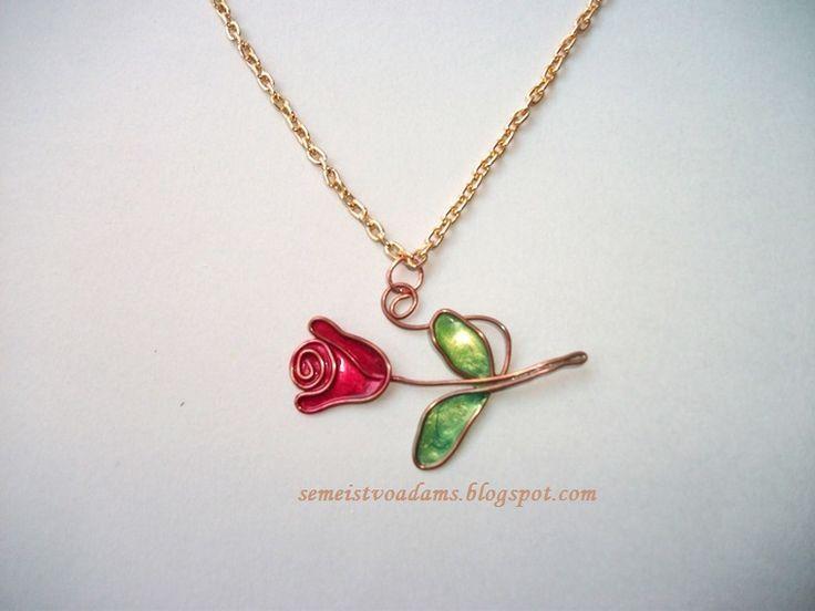 Sehen Sie, wie wir es machen: Drahtblumenkette mit Nagellack … – Schmuck DIY