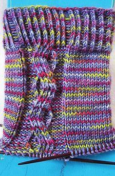 """Backnang-Socken deswegen, weil dieses Muster für die """"Liebhaber von handgefärbter Wolle"""" designt wurde, um zusammen die """"Backnang 2014""""-Färbung von Spinning Martha zu verstricken."""