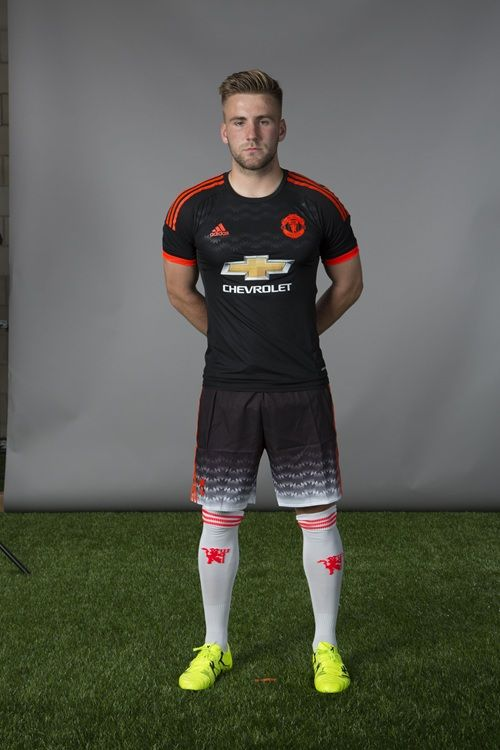 man united adidas retro shirt