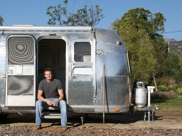 Matthew Hofman renovated a vintage Airstream, so great!