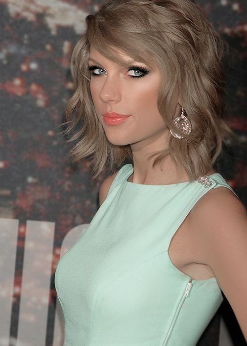 Taylor Swift ♬♥♥♬                                                                                                                                                      More