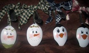 spoon ornaments - and check out the Grinch light bulbs with Cindy Lou Who too!