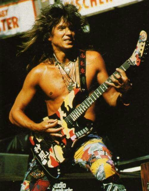 George Lynch in action.