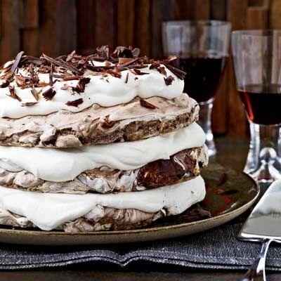 Hazelnut Chocolate Meringue CakeHazelnut And Chocolates, Meringue Cake, Cake Recipe, Chocolates Meringue, Chocolates Desserts, Gluten Free, Food Recipe, Whipped Cream, Holiday Desserts