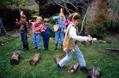 outdoor party games for kids - dress up relay race - Doug Menuez/Getty Images