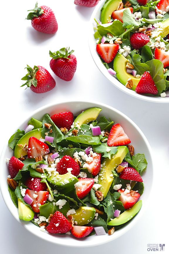 Strawberry Kale Salad - fresh, flavorful, and so good | gimmesomeoven.com #glutenfree