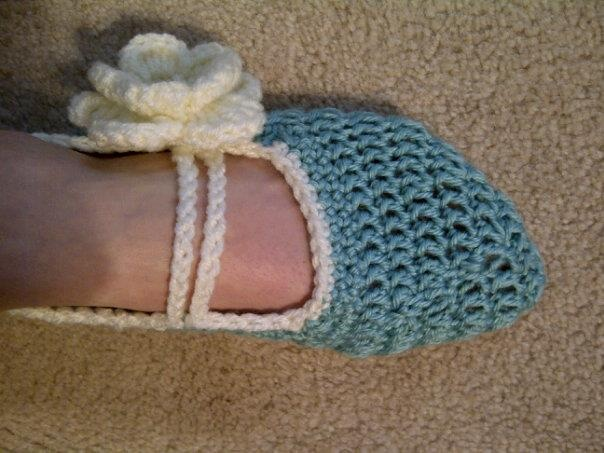 Teach Me How To Crochet : ... Diy slippers on Pinterest Crochet baby, Purl bee and Baby booties